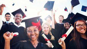 6 Benefícios do diploma universitário