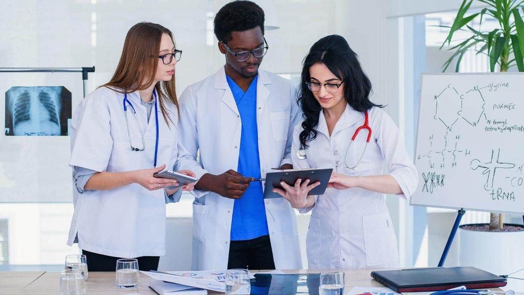 Área da saúde: qual curso fazer?